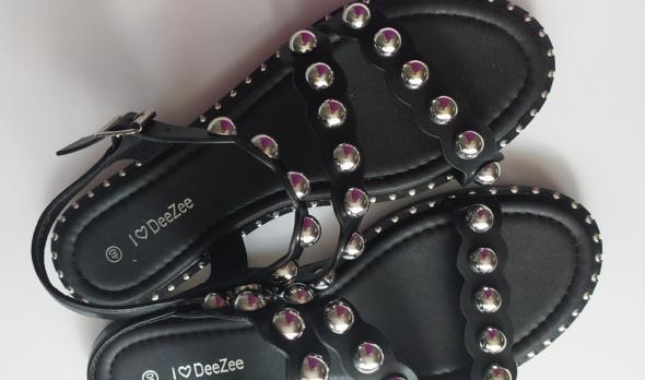 DeeZee sandały ćwieki perły cudo
