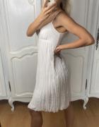 Biała letnia sukienka uniwersalna...