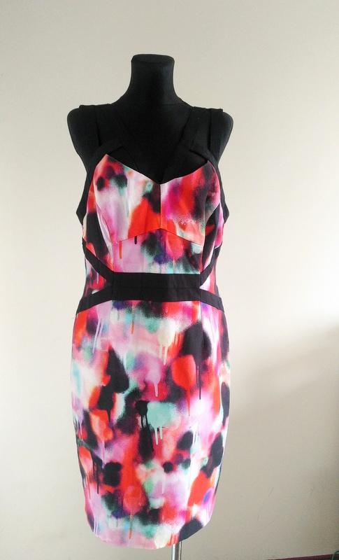 Kolorowa sukienka na ramiączkach 42 44...