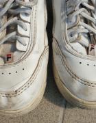 Białe buty Fila...