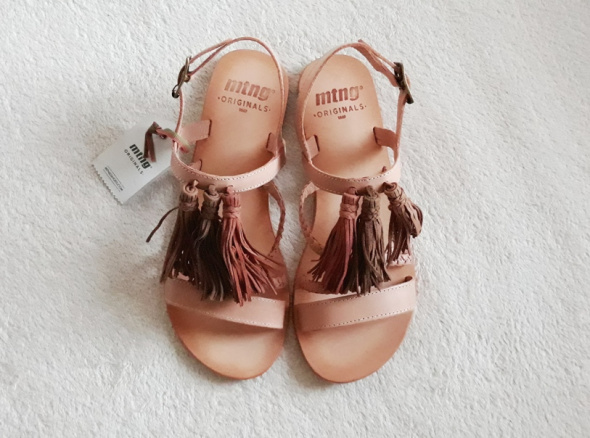 Sandały NOWE metka Mtng Zalando 100 skóra naturalna cieliste sandały 37