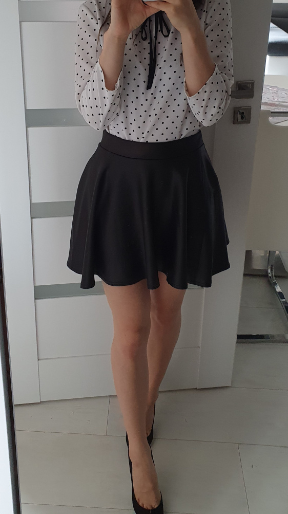 Spódnice Czarna rozkloszowana spódniczka