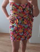 Sukienka gorsetowa w kwiaty...