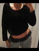 Czarny ażurowy sweterek H&M crop top idealny do szortów...