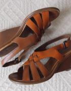 Sandały Clarks 37