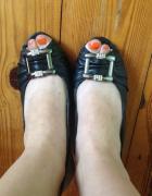 Odkryte paluszki używane buty...