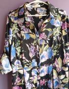 Sukienka w kwiatowy print...