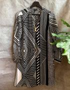 Biało czarno szara sukienka we wzory ze złotym zipem River Isla...