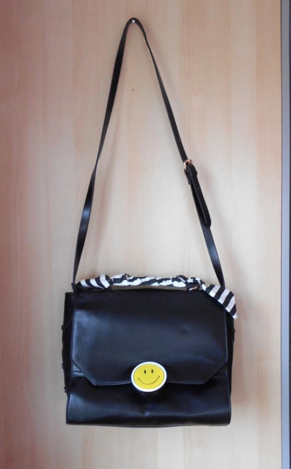 Torebki na co dzień Zara czarna torba kuferek smile uśmiech