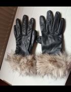 Czarne rękawiczki z kożuszkiem Esmara