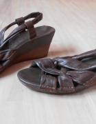 Clarks brązowe koturny sandały skórzane...
