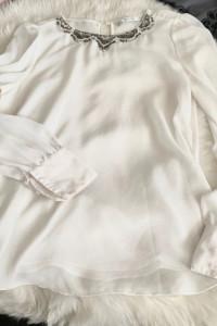 Bluzka zara biala mgielka bizuteryjny kolnierzyk koraliki