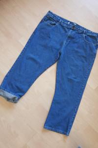 Duże jeansowe spodnie