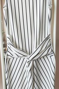 Sukienka asymetryczna w paski...