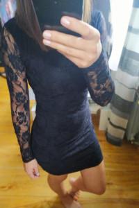 Sukienka mini czarna koronkowa S