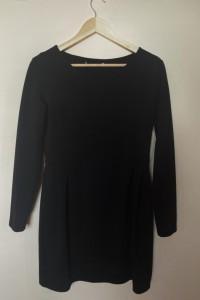 Sukienka kolor czarny klasyczna Grey Wolf M stan bardzo dobry...