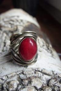 Srebrny pierścionek z krwistym agatem
