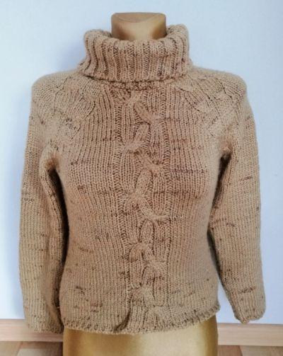 Golfy Beżowy sweter golf z warkoczem rozmiar S Kamos