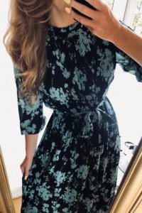 Sukienka Zara czarna plisowana w kwiaty z nowej kolekcji z metk...