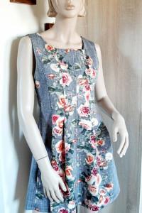Sukienka kratka i kwiaty