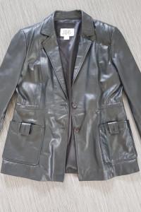 Czarna skórzana kurtka