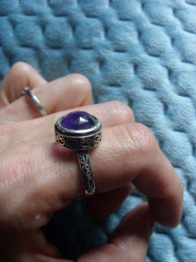 Pierścionki Srebrny pierścionek z ametystem