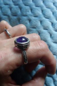 Srebrny pierścionek z ametystem...