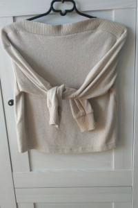 H&M beżowy milusi sweter krótki xs