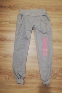 Szare spodnie Adidas sportowe...