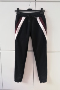 Granatowe spodnie dresowe The Couture Club...