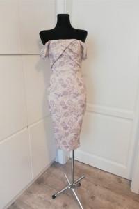 Piękna sukienka koktajlowa w kwiaty Asos nowa...