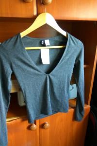 xs szara bluzka crop top dekolt H&M...