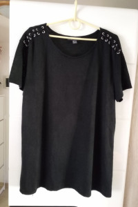 Cieplejsza bluzeczka sznurowana na ramionach roz 48 Primark