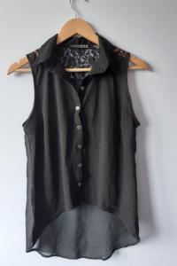 Czarna bluzka z koronką i prześwitującym tyłem...