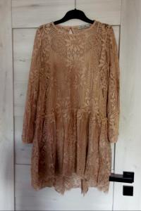 Asymetryczna koronkowa sukienka...