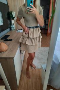 Beżowa sukienka falbanki Zara...