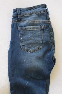 niebieskie spodnie jeansowe s