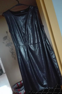 Błyszcząca sukienka czarna