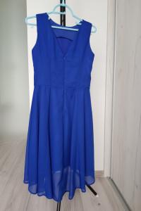Zwiewna sukienka asymetryczna...