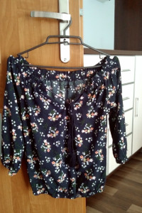 Bluzka w kwiaty sinsay 34...