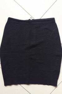 Czarna spódniczka mini H&M rozmiar M...