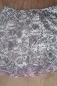 Nowa spódniczka we wzory c&...