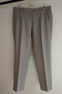 Duży rozmiar 50 Spodnie damskie w beżowym kolorze