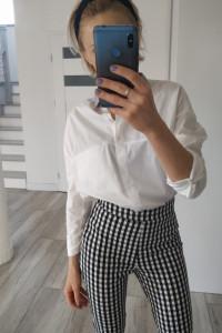 Biała koszula basic Bershka rozmiar s