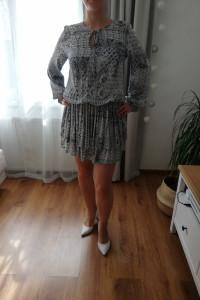 Sukienka Clooe...