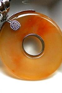 Chalcedon kamień równowagi okrągły wisior 2w1