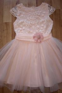 Sukienka rozm 122