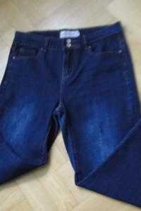 Dżinsy jak nowe 40 ciemne proste nogawki krój slim...