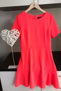 Koralowa Neonowa Sukienka...