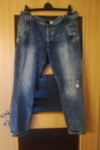 spodnie yeansy...